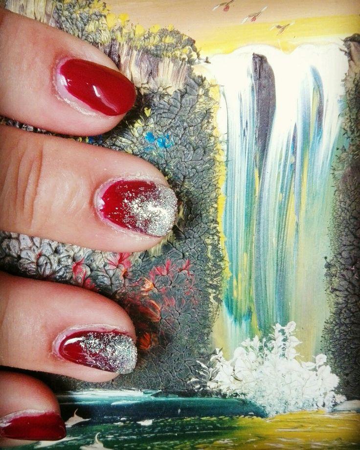 #shiny#waterfall#nailart#mylove #red#blood#stardust#..nail art semipermanente con ricostruzione parziale di due unghie... sexy e scintillante.