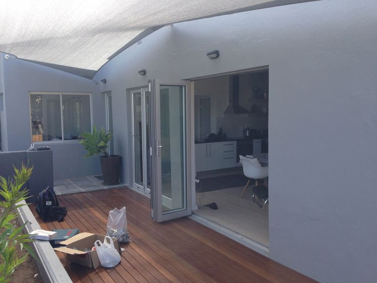 Instow Cottage, Dorchester, 271 High Level Road, Sea Point, Cape Town, 8005, 2014