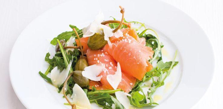 Chystáte-li několikachodové menu, jistě se vám bude hodit nějaký tip na předkrm. Co takhle salát s kousky uzeného lososa s kapary a parmazánem?  1)...