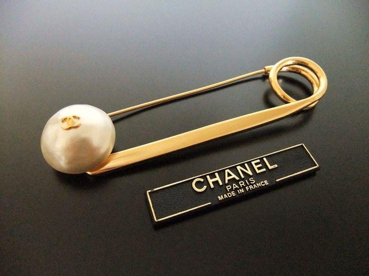 vintage Chanel pin brooch