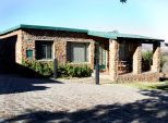 Sugarbush Hill Cottages - comfortable, fully equipped, private braais, great views.