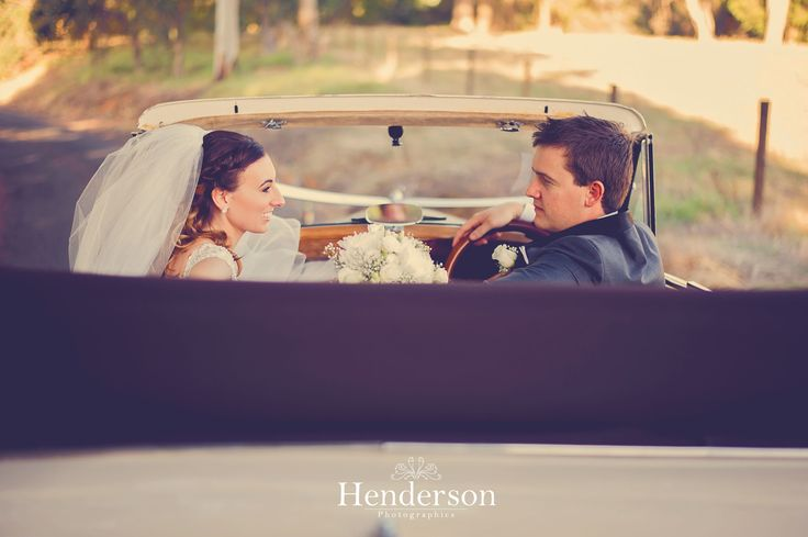 www.hendersonphotographics.com.au www.facebook.com/HendersonPhotographics