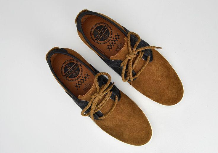 Découvrez le modèle Drone One Suede/England - Havane/Black et les chaussures basses de la collection Armistice Homme - Nouveauté !
