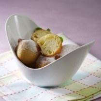 DURIAN CHEESE BALL http://www.sajiansedap.com/mobile/detail/13445/durian-cheese-ball