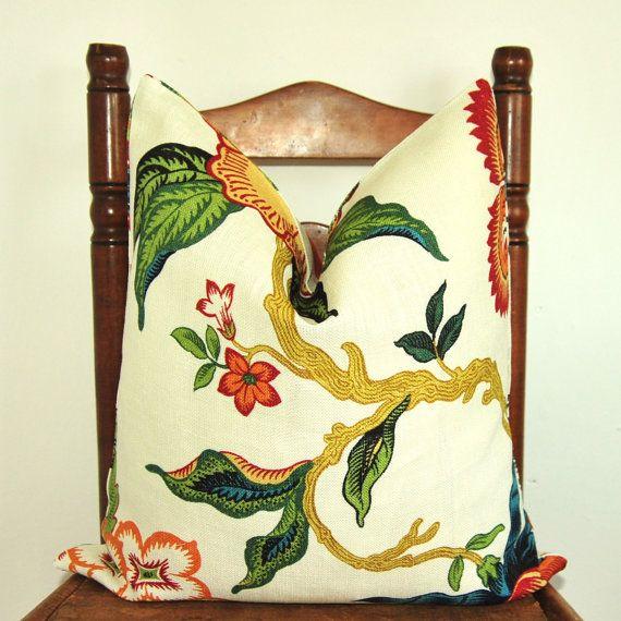 Cuscino floreale_Cuscino decorativo per panca o letto_Throw Pillow di PillowMood_Decotative cushion