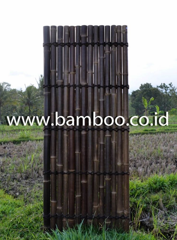 Black half bamboo fence with 5 back slats and black  coco rope