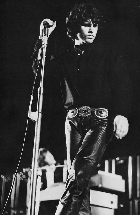 Jim Morrison and leather trousers - great combo ;0)