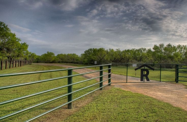 ranch entryways | Automatic Gates Electric Gates by Rising Star Industries Wrought gates ...
