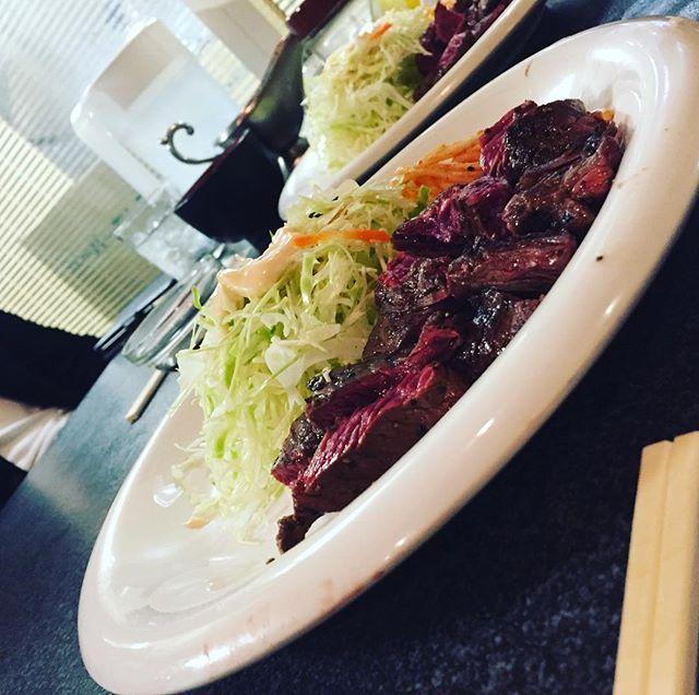 #  しっかりとご馳走させて頂きました。  #大阪 #osaka #lunch #ランチ #ステーキ #stake #肉 #🍖 #4人前 #ガーリック #garlic #地下 #breakthrough #リスク #Lisk #男飯 #follow4follow #相互フォロー #ブレイクスルー #ロース #ハラミ #タタキ #いいね