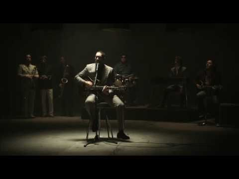FAT FREDDYS DROP BOONDIGGA Official Video! - I can listen to this on the loop
