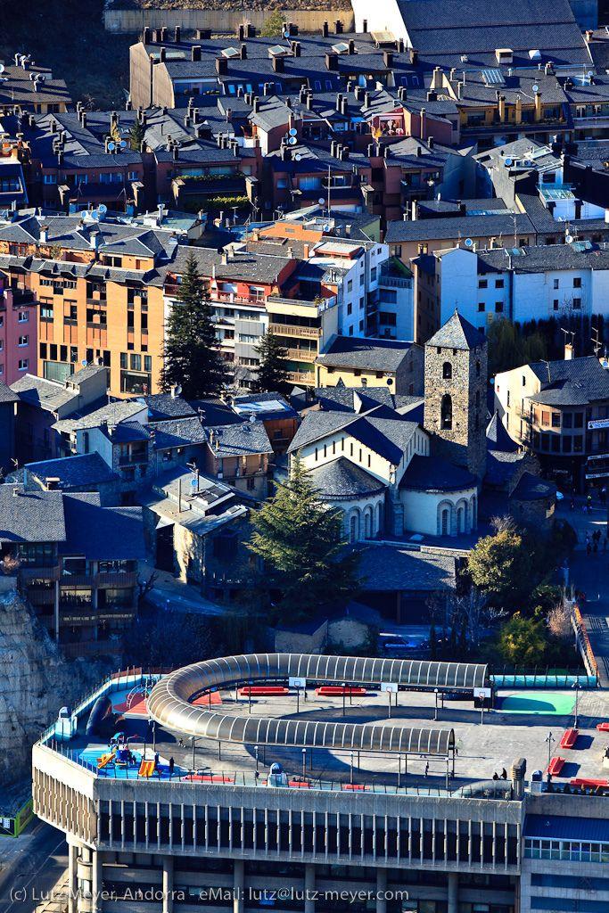 Andorra city views: Andorra la Vella, Center of Andorra la Vella: Placa del Poble, Esglesia Sant Esteve, Barri antic, Andorra, Pyrenees