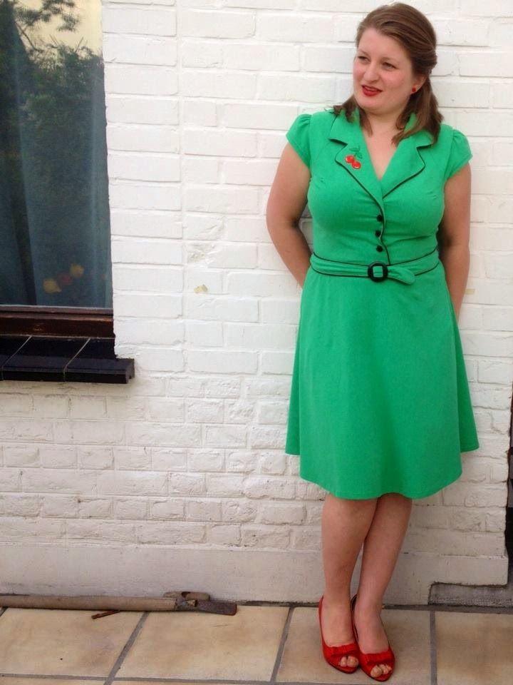 Vintage & Retro Naaipatronen : Telma retro kleedje voor de dames maat 30-32-34-36-38-40-42-44-46-48-50-52-54 !!!