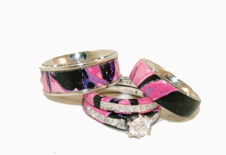 Camo wedding rings in Muddy Girl Camo!: Pinkcamo, Camo Rings, Pink Camo, Country Girl, Stuff, Camo Wedding Rings, Weddings, Jewelry, Engagement Ring