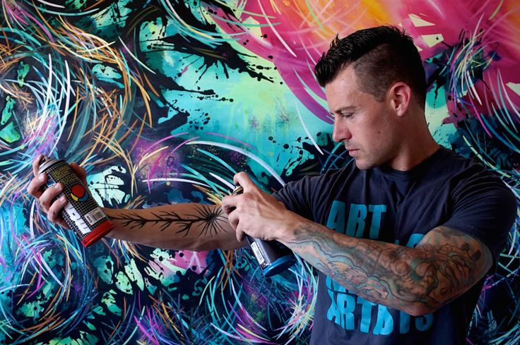 Michael Carini attended art school in Los Angeles, studying at Loyola Marymount University while simultaneously serving as an apprentice under respected artists Jane Brucker and