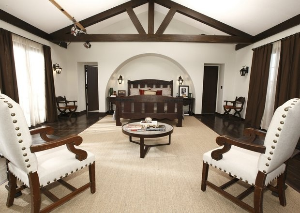 'The New Normal' house: Spanish Colonial cool - latimes.com