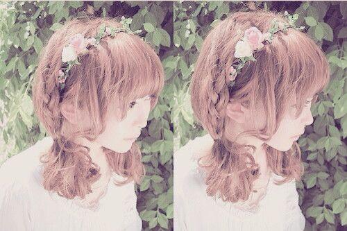 Cute Flower Crown Hair Style.