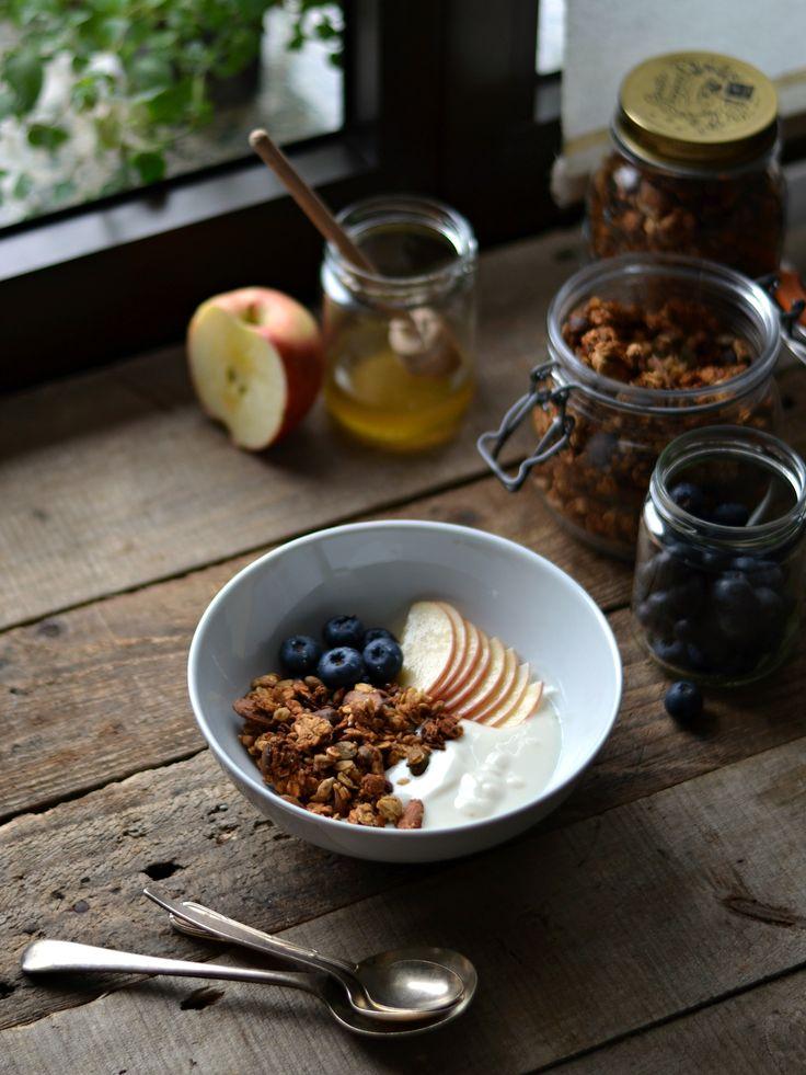 Granola crocante de amêndoa e banana - Compassionate Cuisine