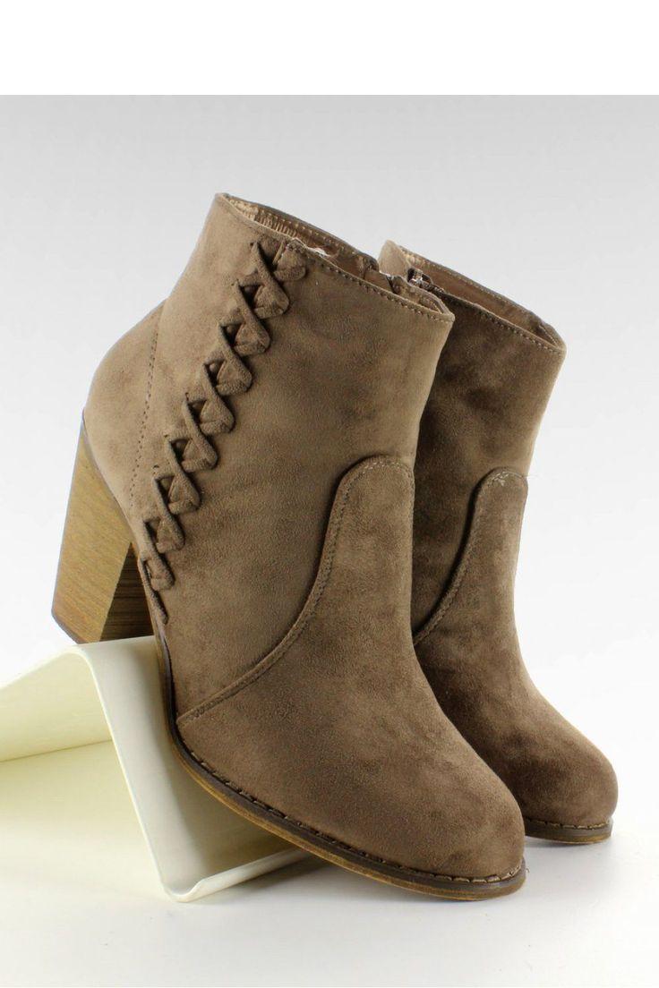 Heel boots model 65468 Inello. Heel height 8,5 cm       Size Insole lenght    36 23,7 cm   37 24,4 cm   38 25,3 cm   39 26 cm   40 26,5 cm   41 27 cm