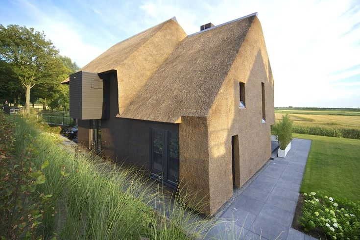 Bartijn Architecten thatched house #Thatch #Home #Architecture