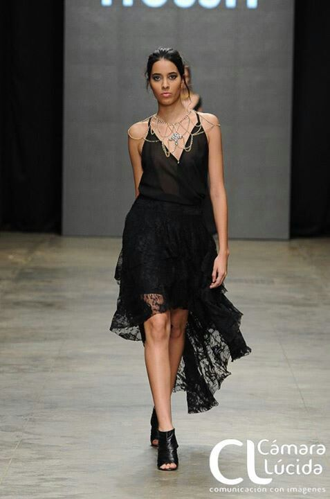 Black lace in skirt! #fashion #moda #trendy