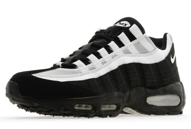 nike air max 95 black and white