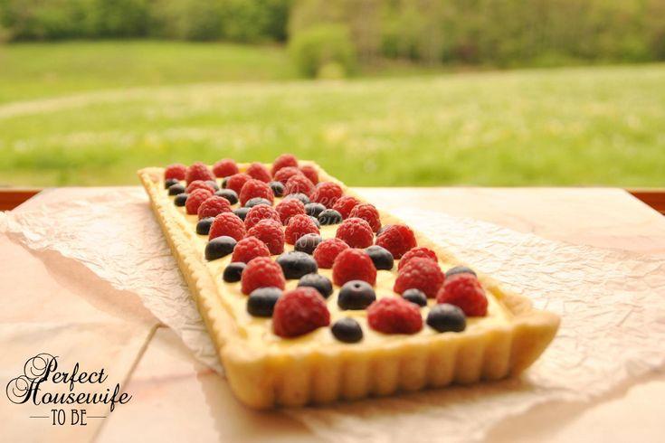 Een heerlijk recept voor een lekkere zandtaart met banketbakkersroom (crème pâtissièr) en fris zomerfruit. De favoriet van vriendlief; heerlijk voor een high tea of picknick!
