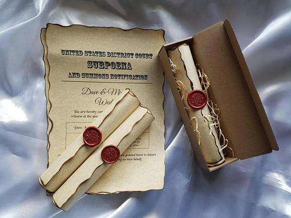 Vintage rollo de invitación de boda hecha a mano con el sello