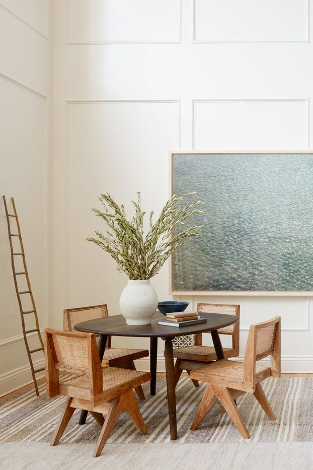 midcentury modern dining with oversized art | modern colonial farmhouse tour on coco kelley