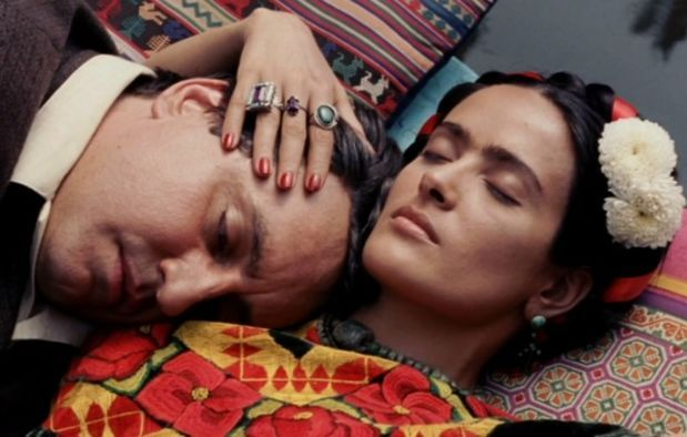 Frida is an Oscar-winning biopic about the life of the 20th century painter Frida Kahlo, and stars Salma Hayek as Kahlo (she also produced the film) and ...