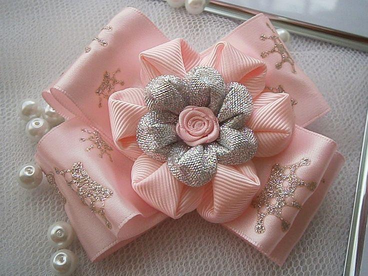 Kanzashi flower bow girls hair clip buy in UK by MARIASFLOWERPOWER