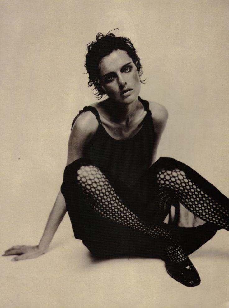 Guinevere Van Seenus & Stella Tennant photographed by Paolo Roversi - Vogue Italia: July 1996 - Inspirata a Egon Schiele