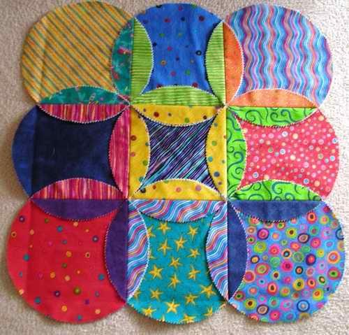 Intersecting Circles - kids can cut circles and mark/iron