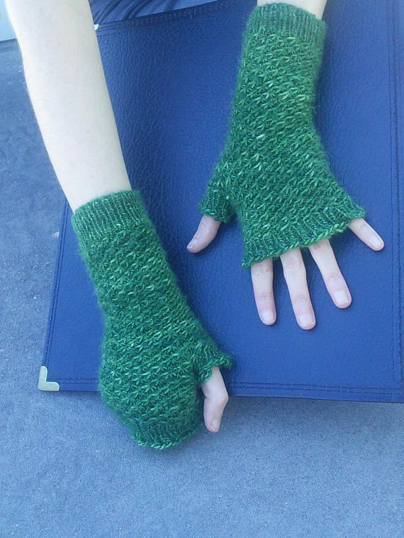 Sarah Dawn's Designs -- Spiralling Star Fingerless Mittens Pattern available on Etsy!