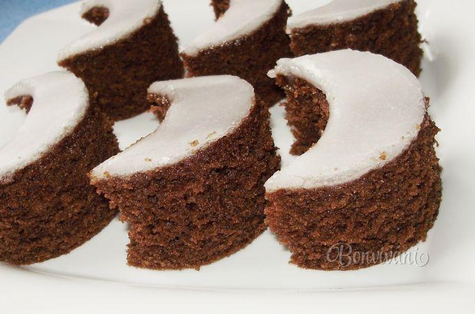 Maminkine mesiačiky - half moon cakes (Slovak language). My mom used to make them, mnam!