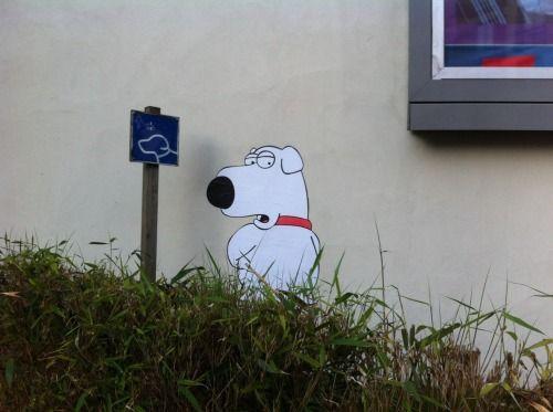 "Street art | Mural ""Family Guy: Brian Griffin"" (Boulogne-Billancourt, Paris, France) by memeIRL"