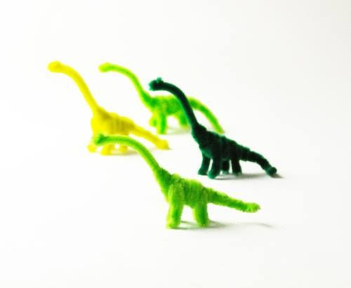 Pipe Cleaner Dinosaurs: DIY Inspiration. Fun! | Small for Big
