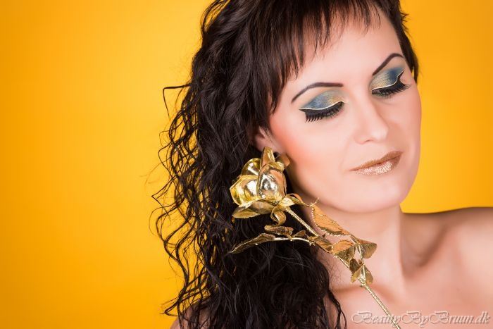 The Gold Look. Makeup and Styling by Makeup Artist Helena bruun