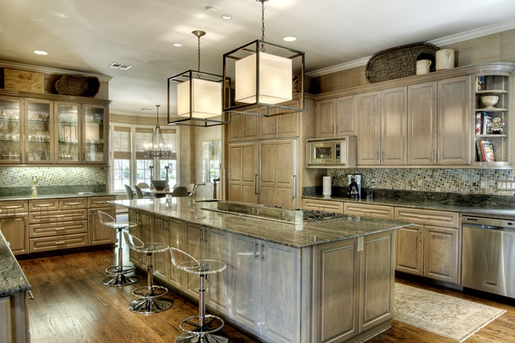 Giant Kitchen With Center Stove Island Bar Stools Cuisine