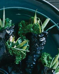 Nori Hand Rolls with Kale and Green Beans | Brown rice replaces the usual white in these fun-to-eat vegetable hand rolls.