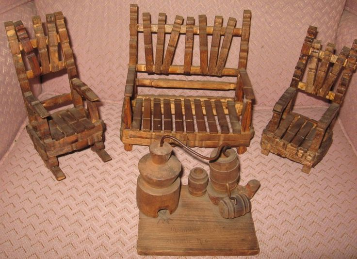 PRIMITIVE FOLK ART DOLL HOUSE CLOTHESPIN CHAIRS COUCH MOONSHINE STILL VINTAGE