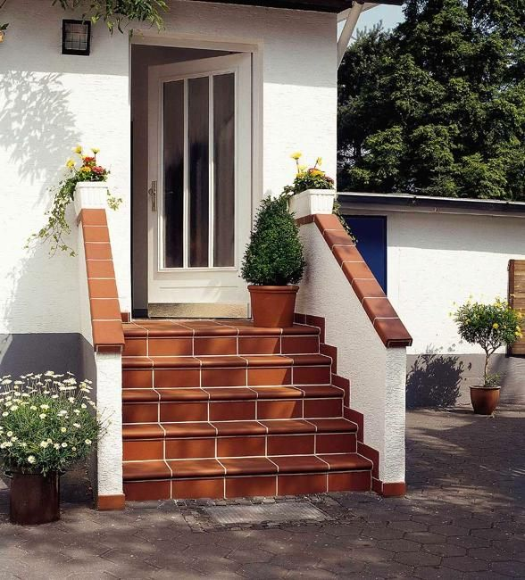 Bricks and outdoor tiles are timelessly elegant and modern materials for building steps, decorating front entrances, and patio designs