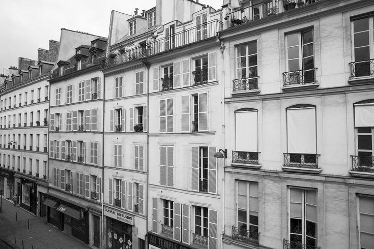 Rue du Temple, Marais.: