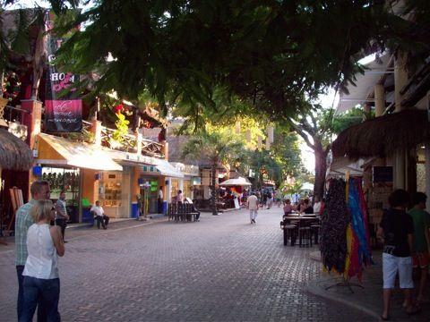 playa del carmen city mexico