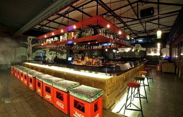 Decora o de bar projeto deck bar pinterest bar e for Ristrutturare bancone bar