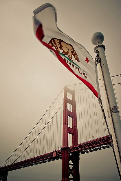 California State Flag & Golden Gate Bridge