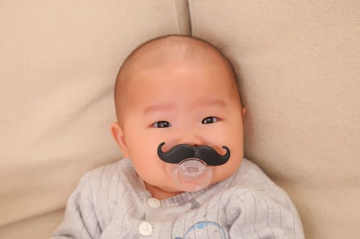 With insert card Silicone Newborn Funny Mustache Design Baby Nipple Dummy Baby Soother Joke Prank Toddler Baby Pacifier Clips