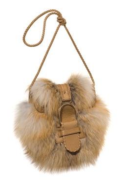"""Photoset """"Fashion тренд: меховые сумки"""" включает в себя элементы различных марок.  Спросите нас о них и присоединиться к нам на / Присоединяйтесь к нам наhttp :/ / Gio-soslan.tumblr.com / http://onlyjewelryreview.tumblr.com/ http://onlyfootwearreview.tumblr.com/ http://only- Интерьеры-review.tumblr.com / http://only-art-n-prints-review.tumblr.com/ http://only-music-world-review.tumblr.com/ Фотосет """"Фешн-тренд: Мех в сумках """"включает в себя предложения разных брендовСпросите нас о них, пройдя…"""