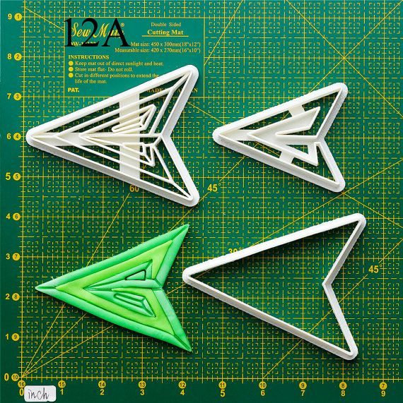 Green Arrow Cookie Cutter green arrow bow,green arrow baby,green arrow costume,green arrow cosplay,green arrow cufflink