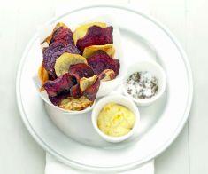 Chips di patate e barbabietole con maionese al curry - Tutte le ricette dalla A alla Z - Cucina Naturale - Ricette, Menu, Diete