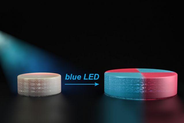 3Dプリントされたプラスチックは、そのままの形をずっと保つ。3Dプリントで作ったヨーダが大手術をせずにチューバッカの頭に変わることはない。ところが、MITの科学者たちは、プリント後のポリマーを変えることのできる3Dプリントの方法を作り出した。オブジェクトの縮小拡大、色を変える、さらに形を完全に変えることもできる。
